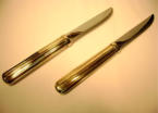 Retracting Knives: Retractable blade mechanism, made on the milling machine in brass and steel